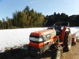 1月26雪の中トラクター